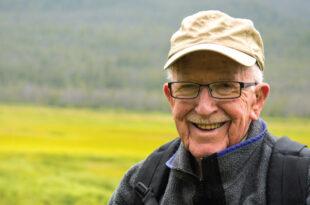Hearing Aids Cut Threat of Dementia, Depression, Falls in Seniors